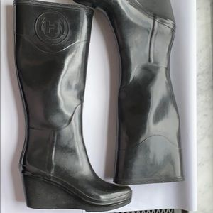 Hunter Tall Wedge Rain Boots